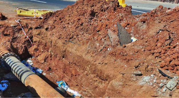 Water leak of 2 whole weeks leaves residents drained and down, over hole